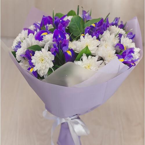 Букет из хризантемы и ириса